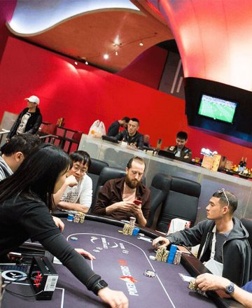 Why is Online Poker Better than Traditional Poker?