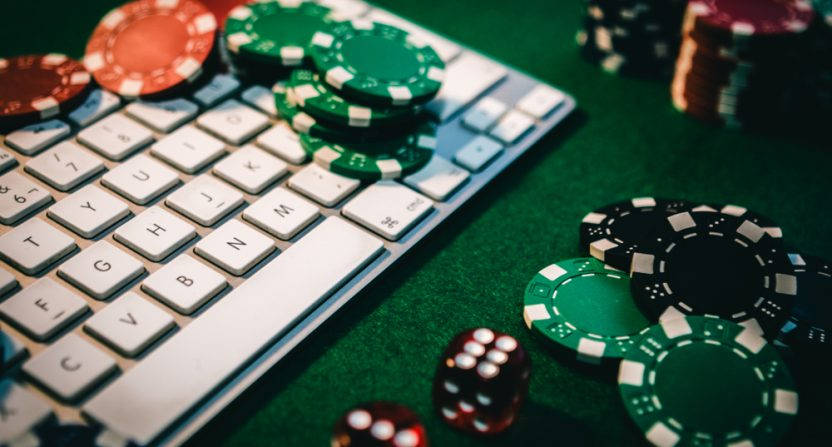 Online Poker Strategy Guides and Theory